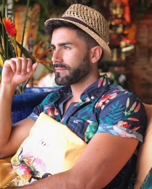 El éxito de este verano: las camisas con estampados florales.