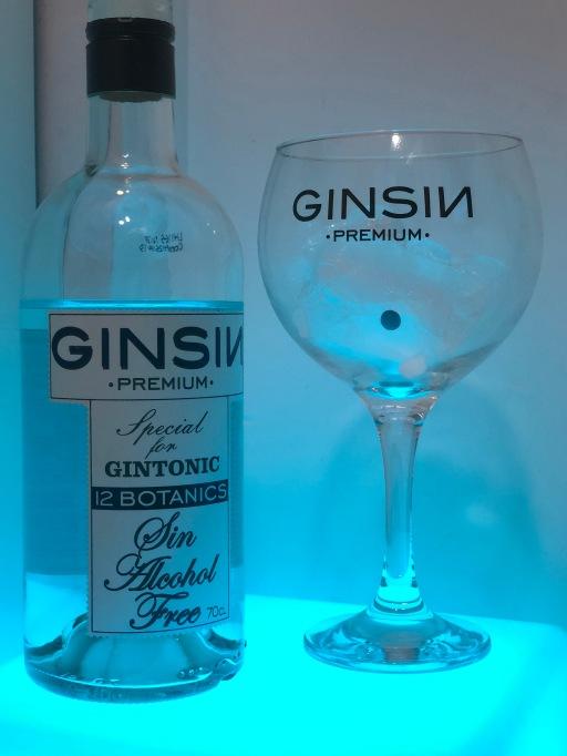 Disfruta de este clásico Gintonic que explora nuevas sensaciones para tu paladar, y ¡SIN ALCOHOL!