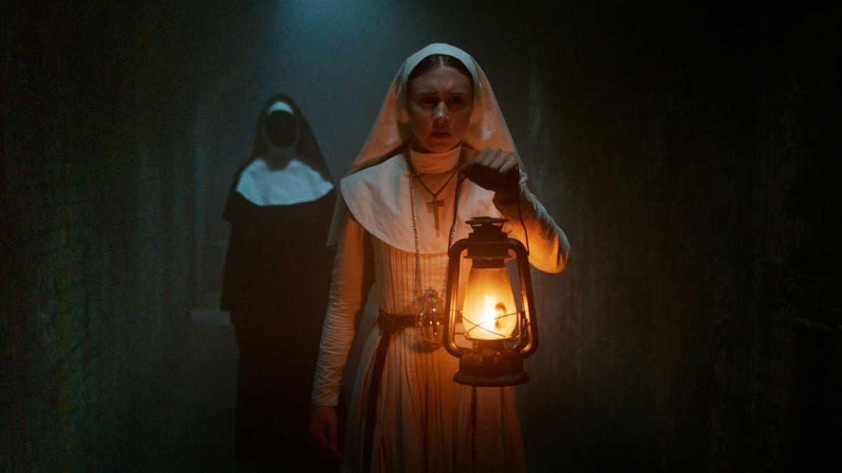 """La saga de """"Expediente Warren""""consigue hacerse más aterradora que nunca con su sping-of de """"La monja"""""""