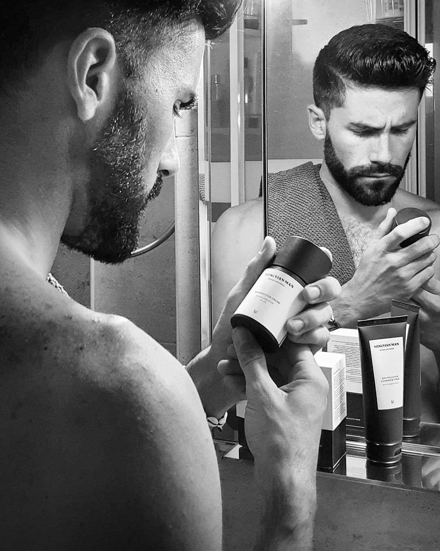 """Vitruviam Man"" El pack perfecto para reactivar la piel del hombre.jpg"